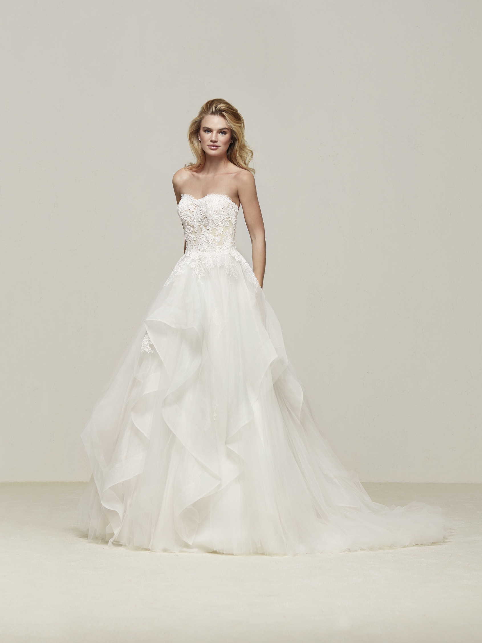 Pronovias Fashion Group 24783