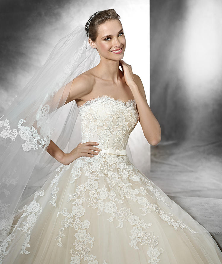 Pronovias Fashion Group 22924