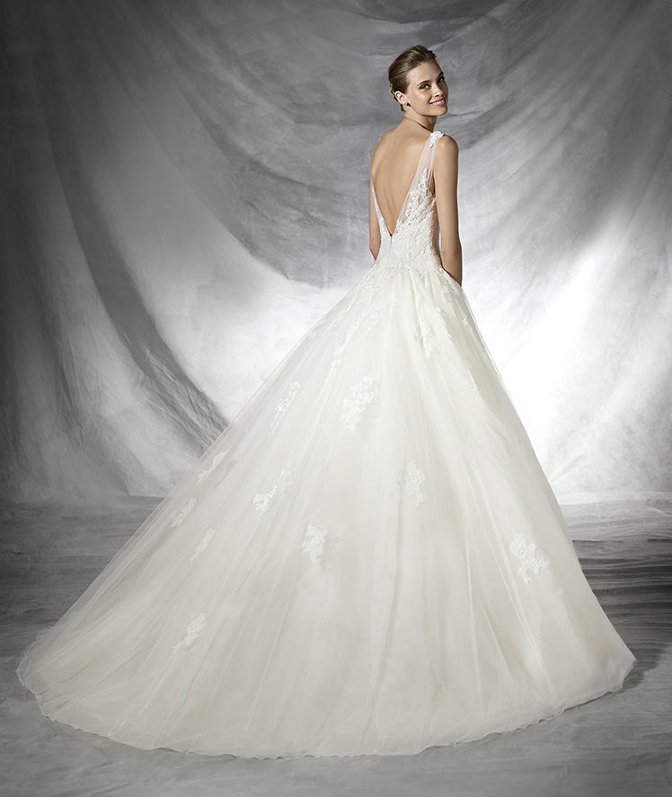 Pronovias Fashion Group 22943