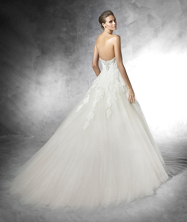 Pronovias Fashion Group 22240